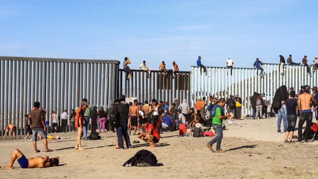 Milliárdos segélycsomagot szavazott meg a migránsválság enyhítésére az amerikai képviselőház