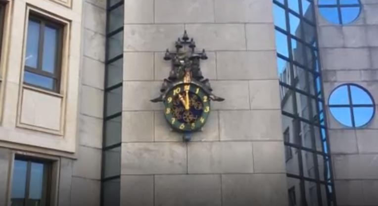 Ezen a svájci órán 11-kor van dél – VIDEÓ