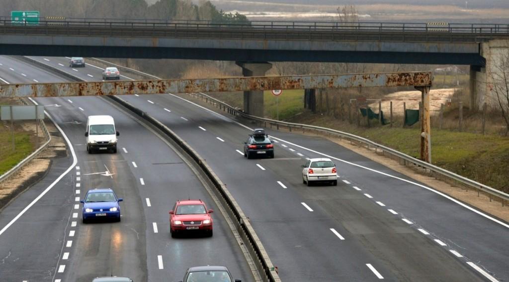 Baleset lassítja a haladást az M0-s autóúton