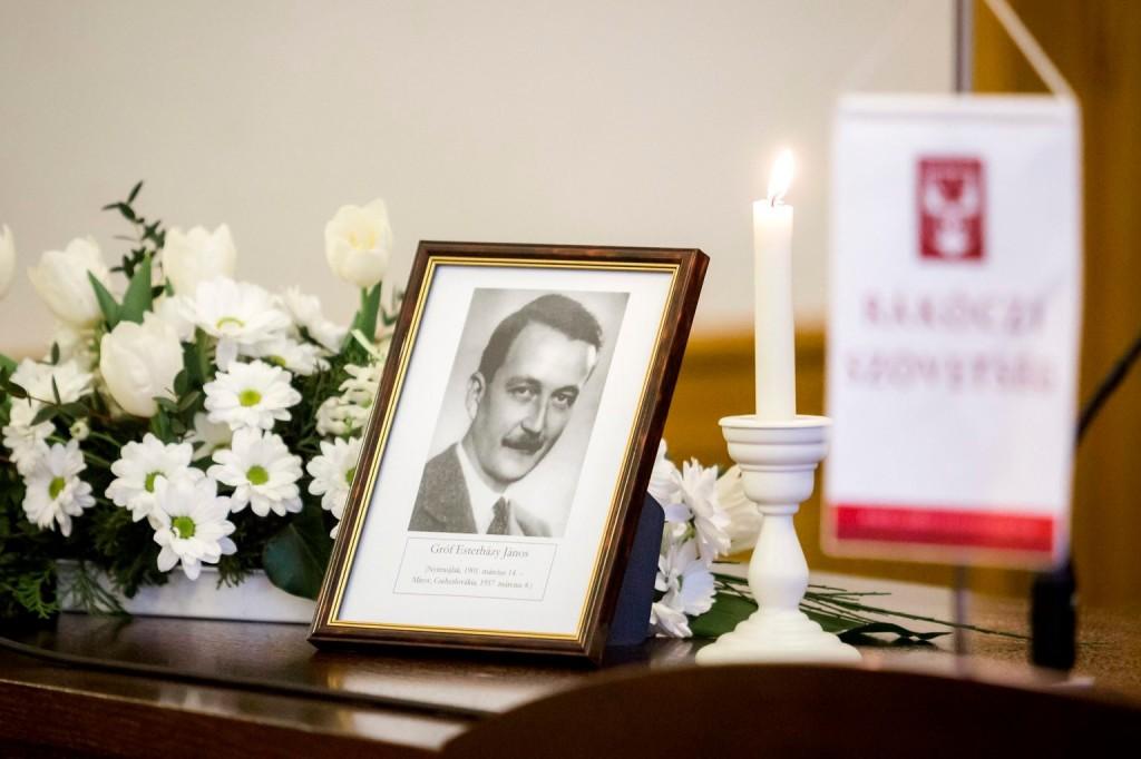 Esterházy Jánosra emlékeztek Prágában
