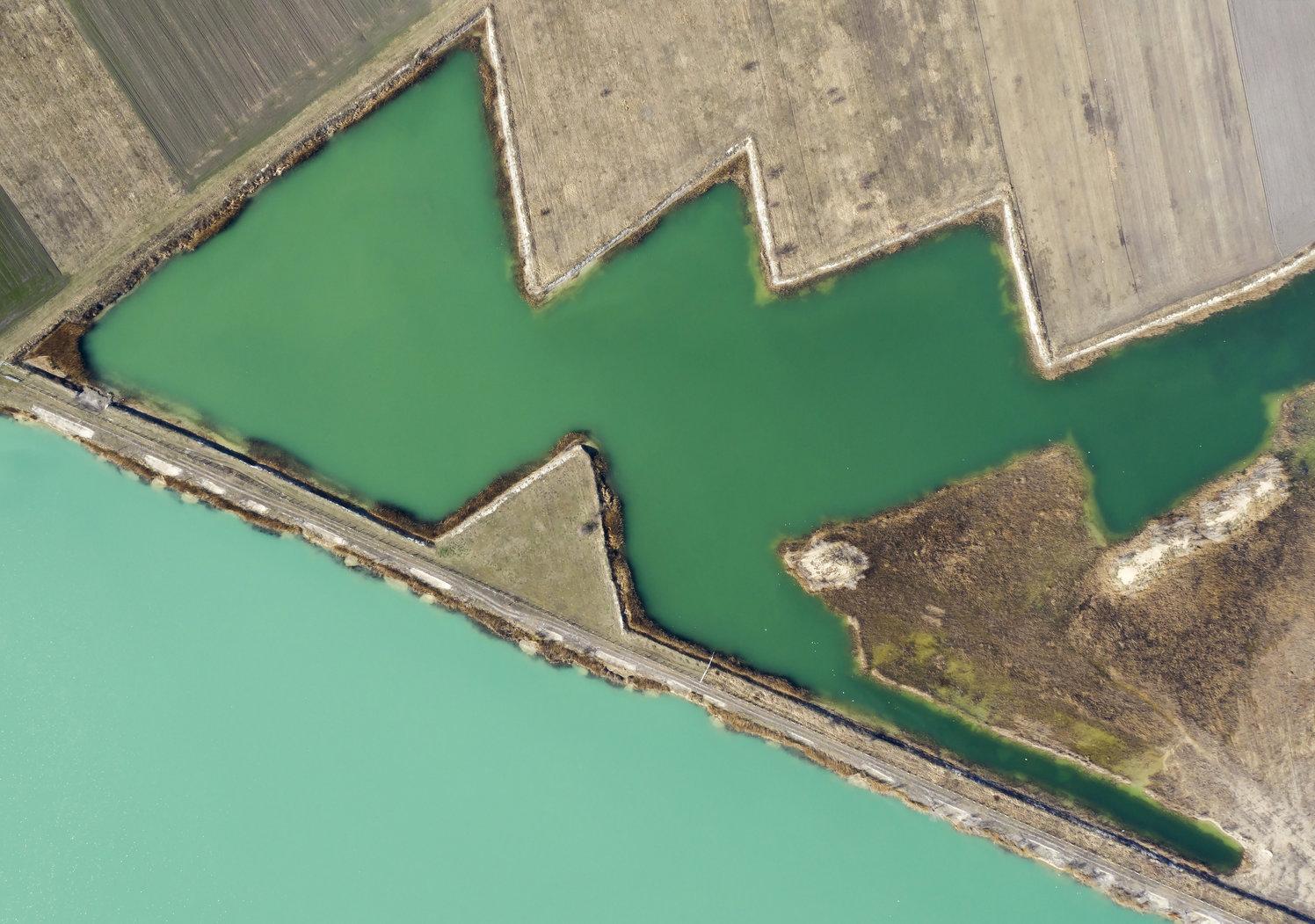 Délegyháza, 2019. március 22. Bányatavak Délegyháza közelében 2019. március 17-én. Az ENSZ március 22-ét nyilvánította a víz világnapjává, amelynek célja a környezet és ezen belül a Föld vízkészletének védelme. MTI/Mohai Balázs