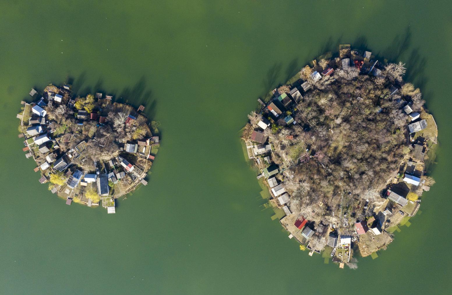 Szigetszentmiklós, 2019. március 17. Bányató Szigetszentmiklós közelében 2019. március 17-én. Az ENSZ március 22-ét nyilvánította a víz világnapjává, amelynek célja a környezet és ezen belül a Föld vízkészletének védelme. MTI/Mohai Balázs