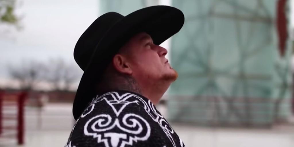 Életét vesztette klipforgatás közben a feltörekvő énekes