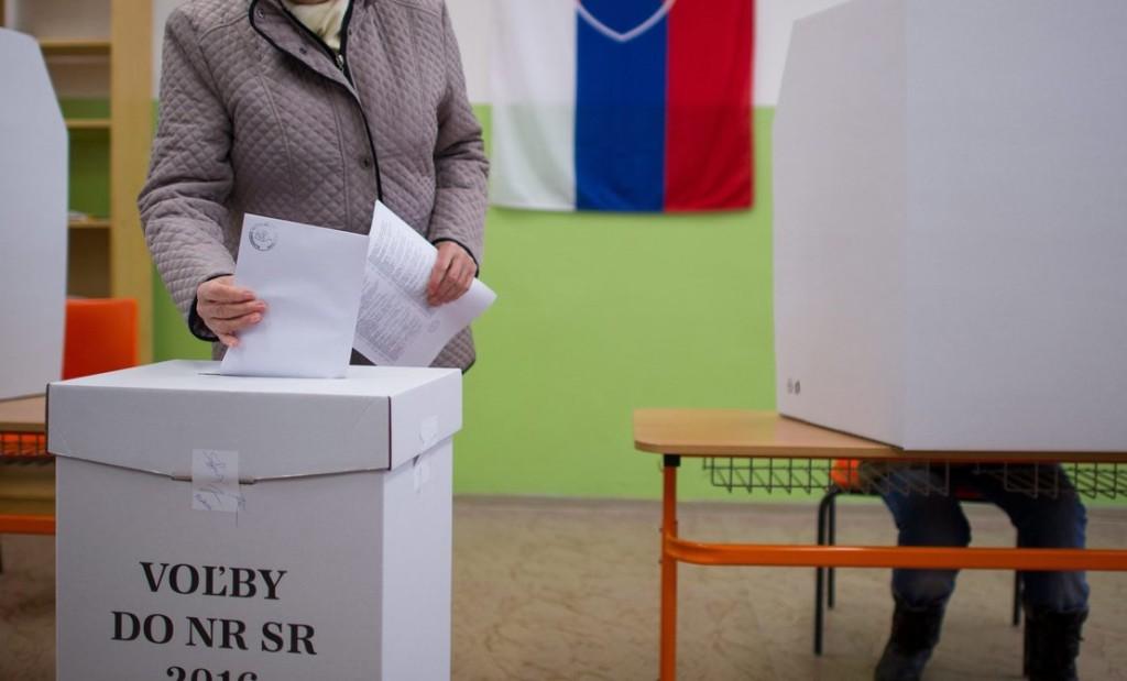 Elkezdődött a voksolás Szlovákiában