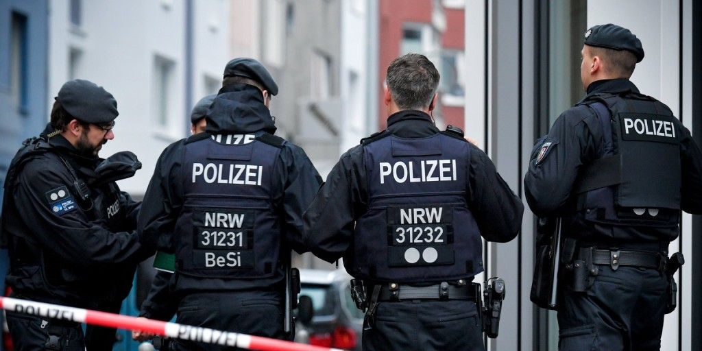 Őrizetbe vettek három feltételezett iszlamista terroristát Németországban