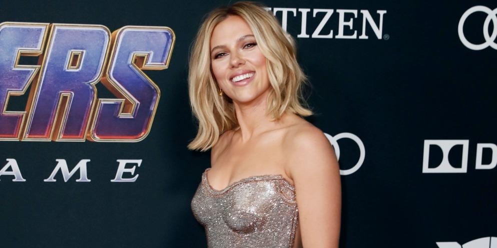Brie Larson és Scarlett Johansson is a Végtelen Kövekkel a kezén lépett a vörös szőnyegre