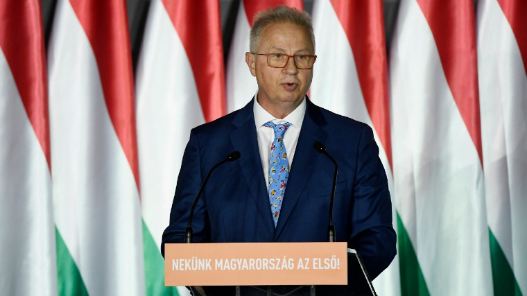 cc25469e93 Trócsányi László igazságügyi miniszter, a Fidesz-KDNP európai parlamenti  (EP-) választási listájának vezetője (Fotó: MTI/Koszticsák Szilárd)