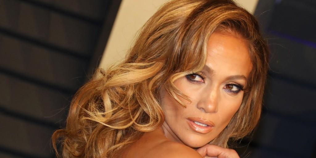 Jennifer Lopez valamit piszkosul jól csinál, ha így néz ki smink nélkül