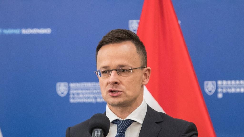 Szijjártó Péter: Nem a migráció szervezésével kell foglalkozni