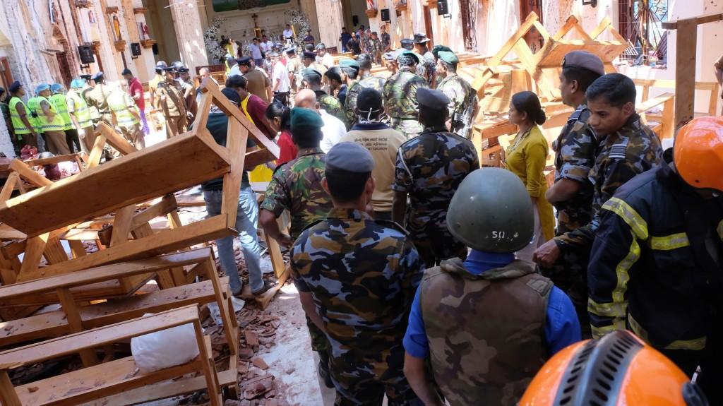 Képeken a Srí Lanka-i terrortámadás