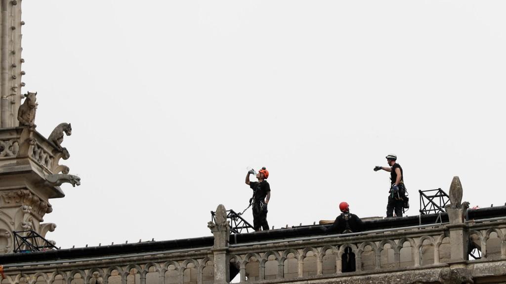Elismerték, hogy az állványzaton dohányoztak a Notre-Dame felújításán dolgozó munkások