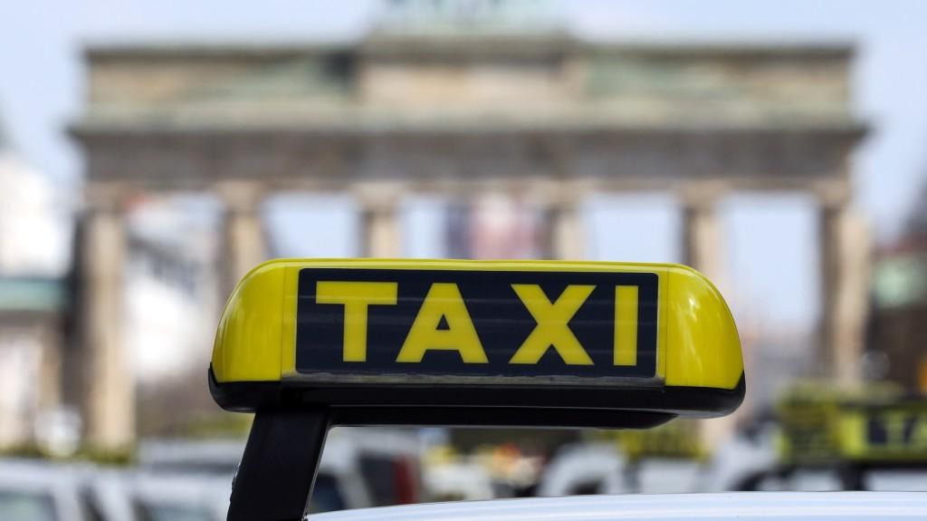 Taxisszövetség: A taxisok nem drogdílerek