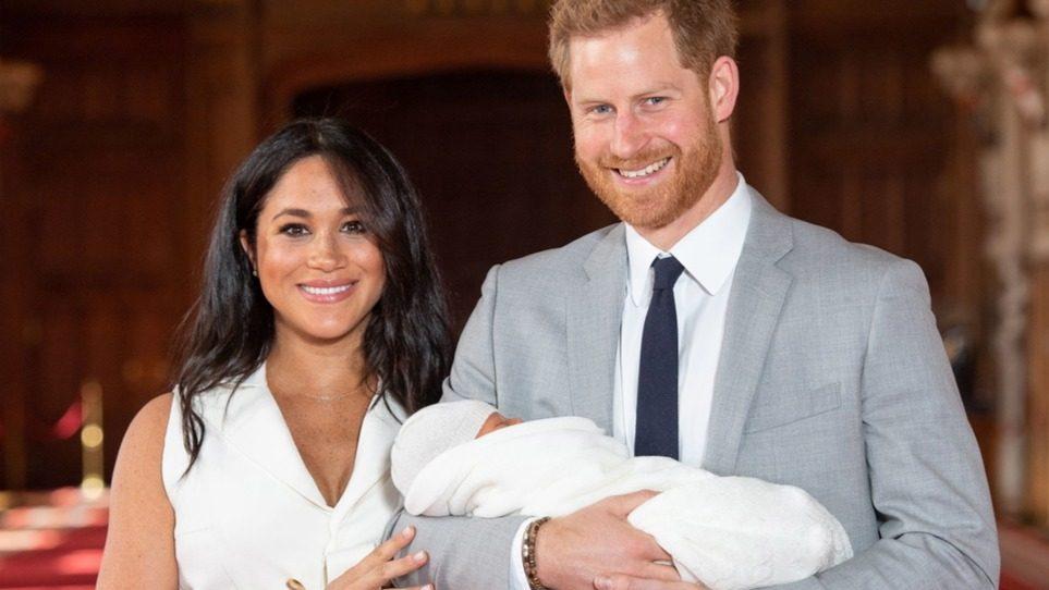 Köszöntés cunami a királyi családtól: két éves lett Meghan és Harry kisfia