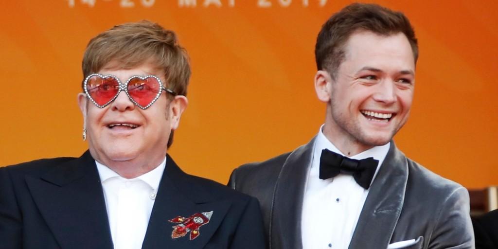 Állva tapsolták Taron Egertont Cannes-ban - duettje Elton Johnnal mindenkit lenyűgözött