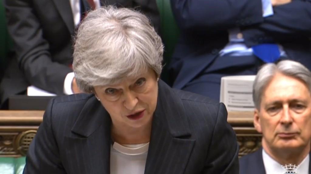 May szerint július végéig kiléphet az Egyesült Királyság az EU-ból