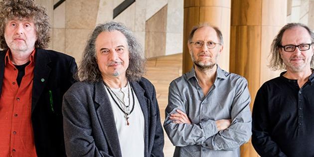 Laár András autóbalesetet szenvedett, de a zenekar nem hagyja cserben az erdélyi rajongókat