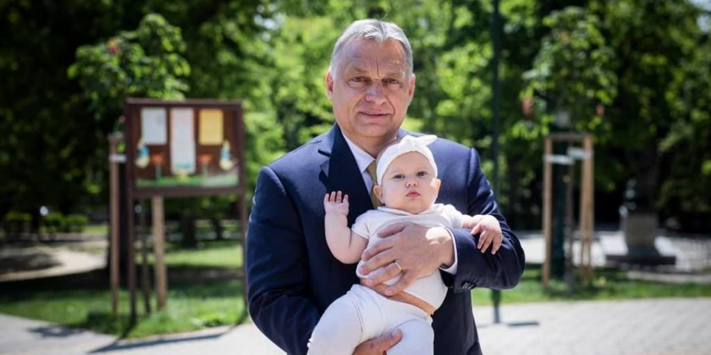 Harmadik unokája keresztelőjén vett részt Orbán Viktor