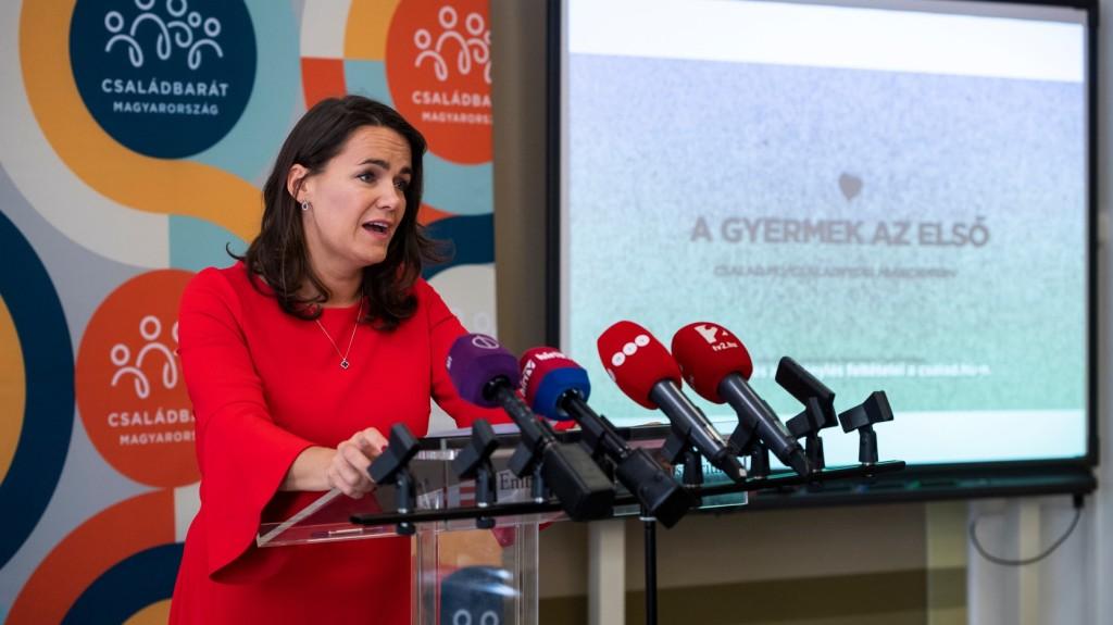 Novák: A kormány intézkedései a gyermekeket állítják a középpontba