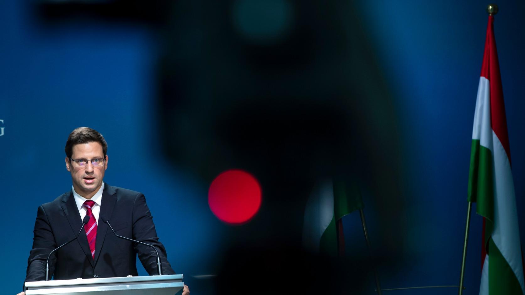 Budapest, 2019. április 18. Gulyás Gergely Miniszterelnökséget vezető miniszter a Kormányinfó sajtótájékoztatón a Miniszterelnöki Kabinetiroda Garibaldi utcai sajtótermében 2019. április 18-án. MTI/Mohai Balázs