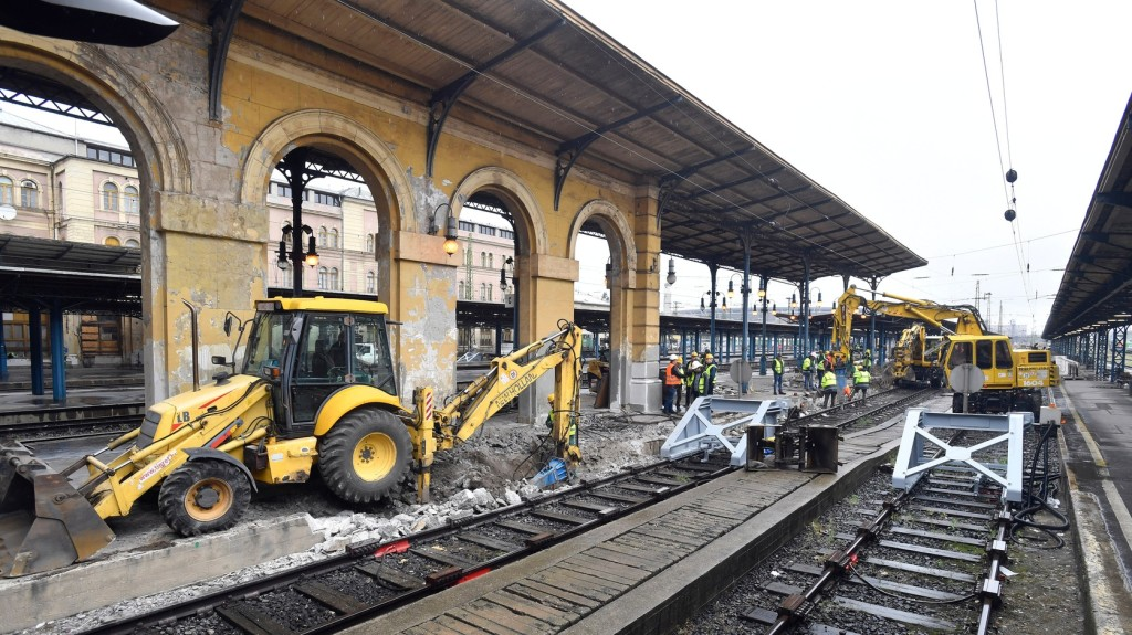 Hétfőn újraindul a Keletiben a vonatforgalom