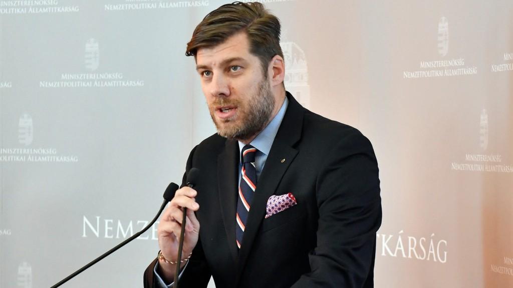 A kormány célja a világban élő magyarság összekötése