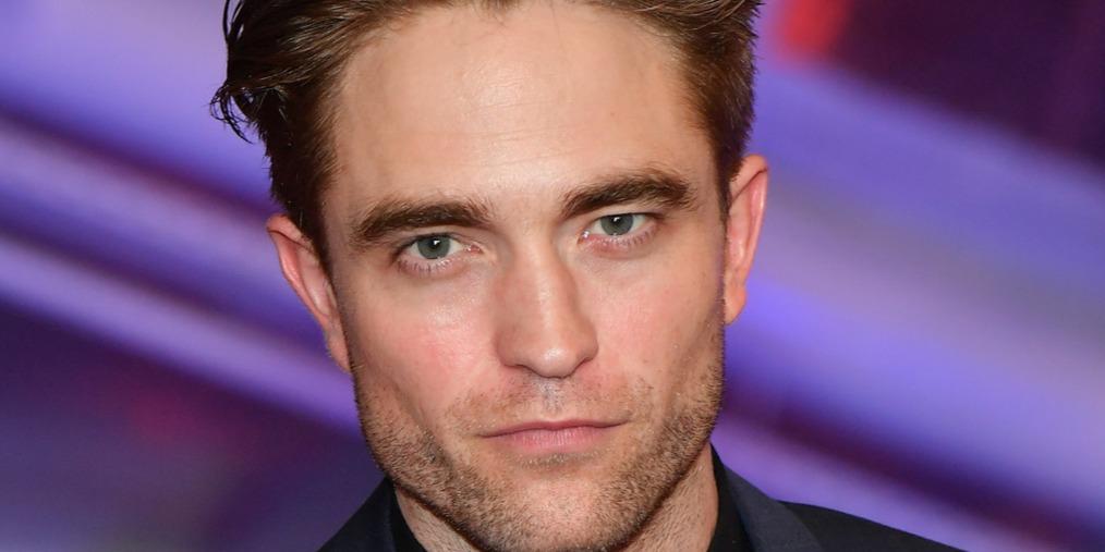 Robert Pattinson nagyon megbánta, hogy felvette ezt a bőrnadrágot