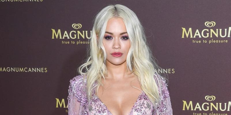 Négy millió dollárnyi ékszert felejtettek egy repülőn, melyet Rita Ora viselt volna Cannes-ban