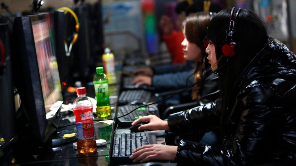 Interneten terjedő kihívások veszélyeztetik a fiatalokat