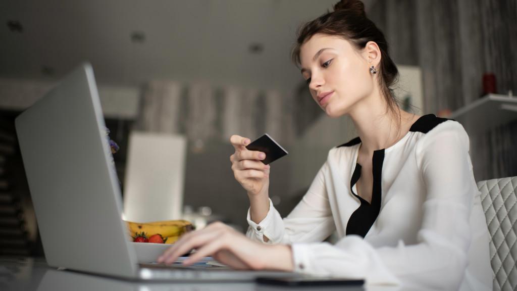 Több mint hússzorosára nőtt az internetes vásárlásokkal történő csalások száma