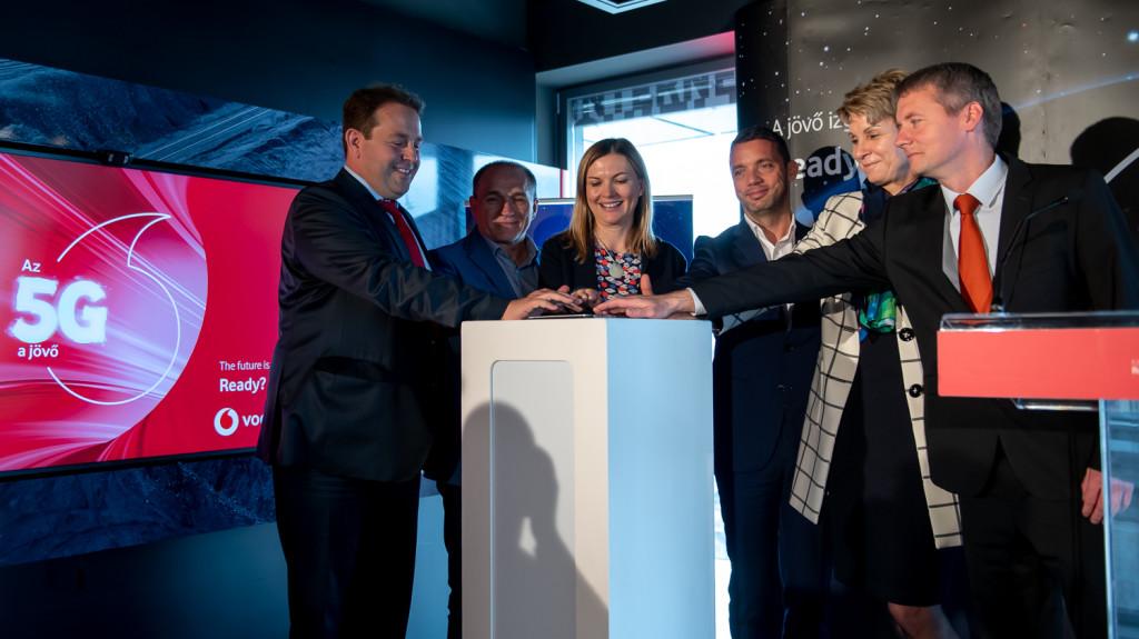 A Vodafone bekapcsolta Budapest első 5G-s bázisállomását