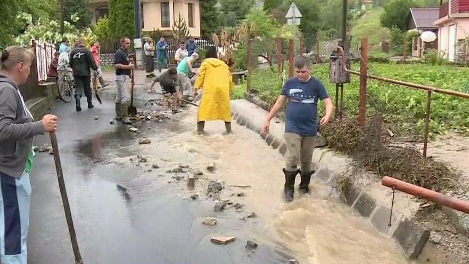 Villámárvizet okozott a hirtelen lezúdult nagy mennyiségű csapadék Nagyvisnyón