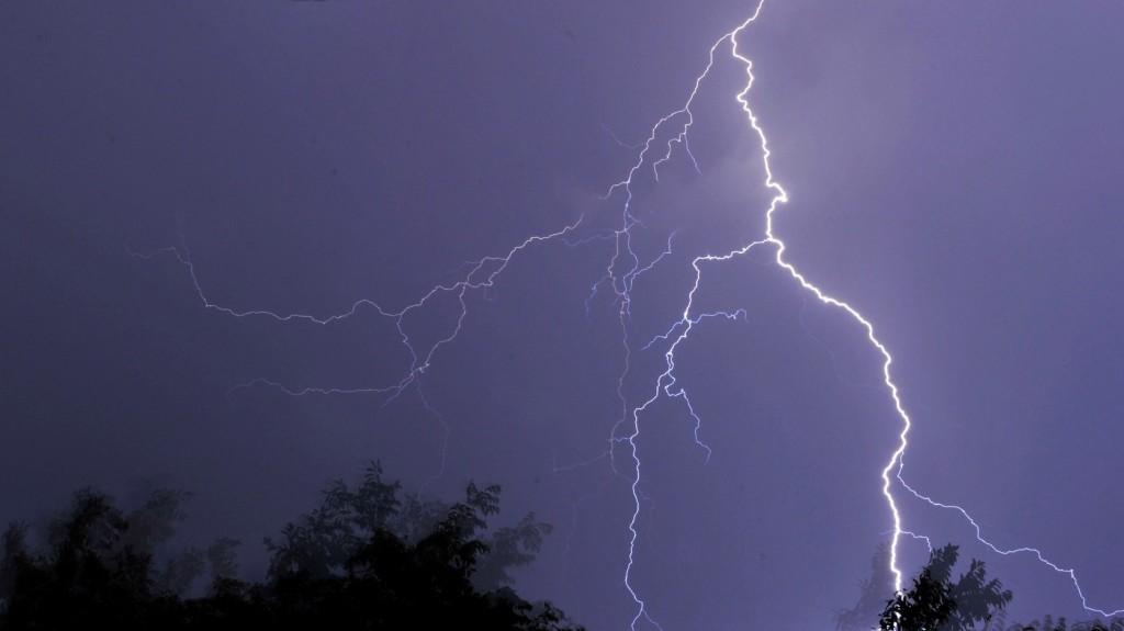 Halálos áldozatokat követelt a viharos időjárás Svájcban és Franciaországban