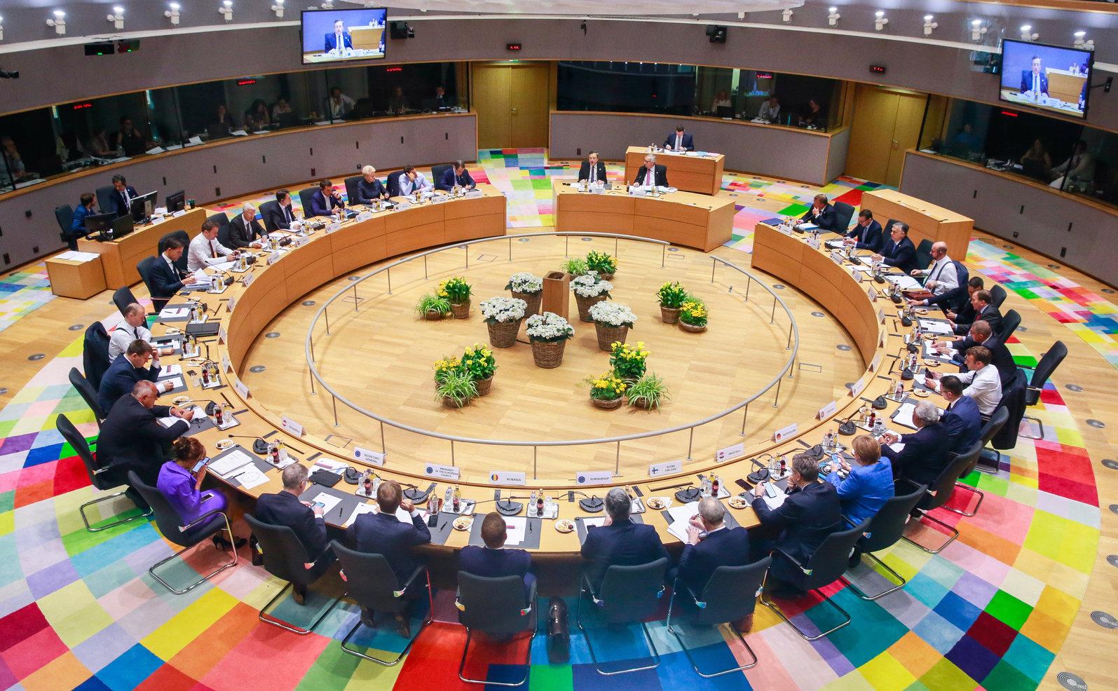 Az Európai Unió brüsszeli csúcstalálkozójának második napi ülése 2019. június 21-én. MTI/EPA/Stephanie Lecocq