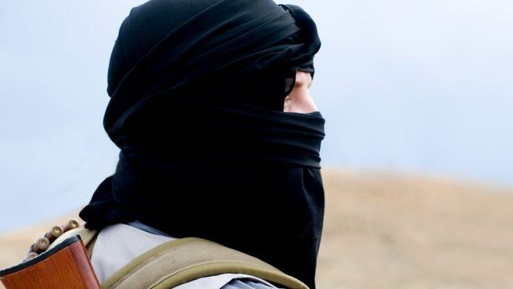 Vádat emeltek két dzsihadista özvegye ellen Franciaországban