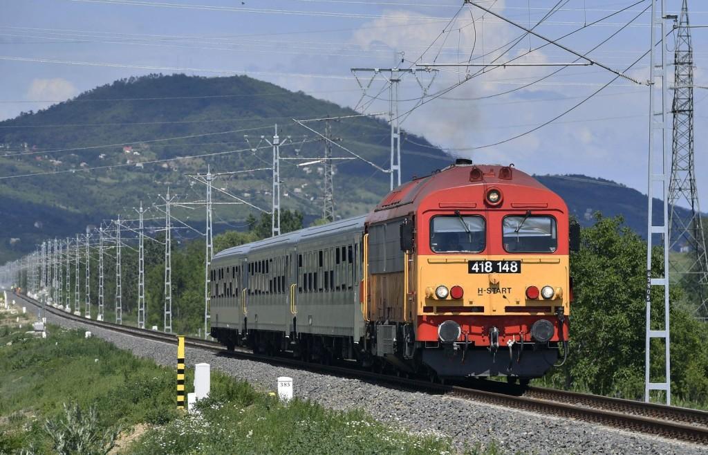 Késnek a vonatok a székesfehérvári és a balatoni vonalakon