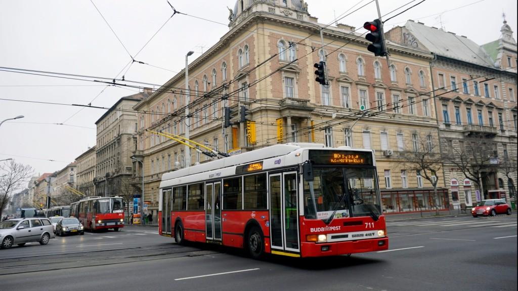 Négy és fél évet kapott a buszsofőrt tavaly megszuró utas