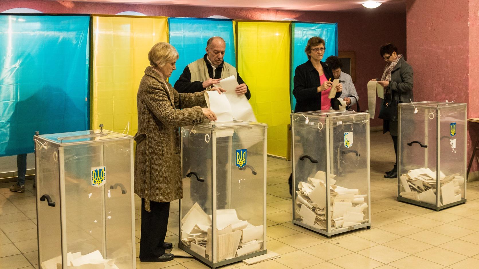 A klónozás a szavazók megtévesztésével okoz kárt a valódi jelölt számára (Fotó: MTI/Nemes János)