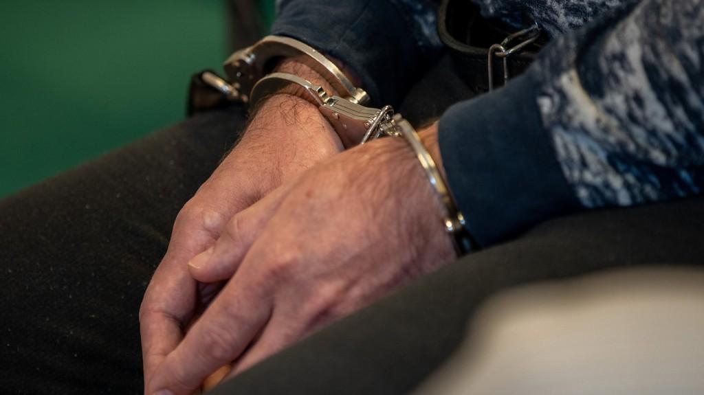 Letartóztatták a Prágában elfogott, több gyilkossággal gyanúsított férfit