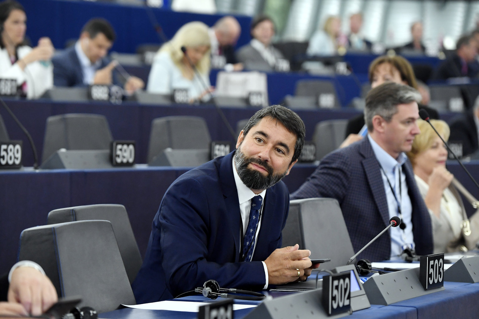 Hidvéghi Balázs, a FIDESZ-KDNP képviselője az Európai Parlament  plenáris ülésén Strasbourgban (Fotó: MTI/Koszticsák Szilárd)