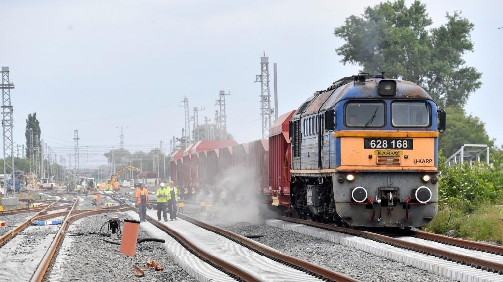 Több vonat menetrendje módosult pályafelújítás miatt