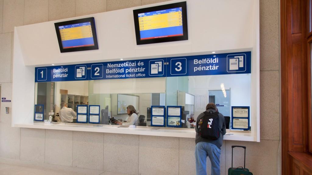 A nemzetközi pénztárakban lehet visszaváltani a MÁV jegyeket az olasz vasutassztrájk miatt