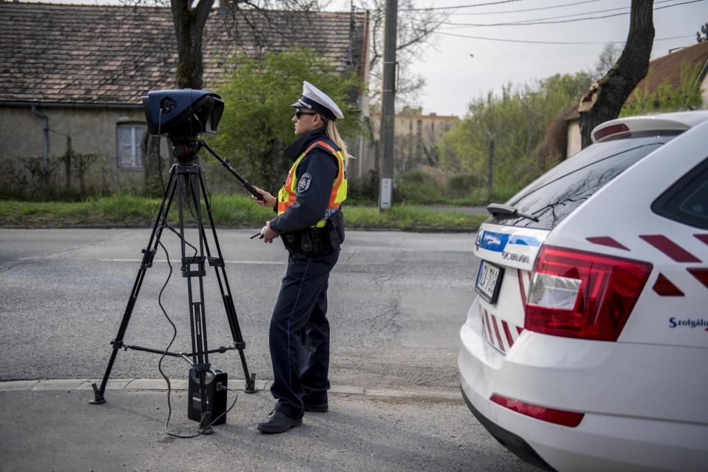 Változatos módszerekkel védekeznek az autósok a traffipax ellen