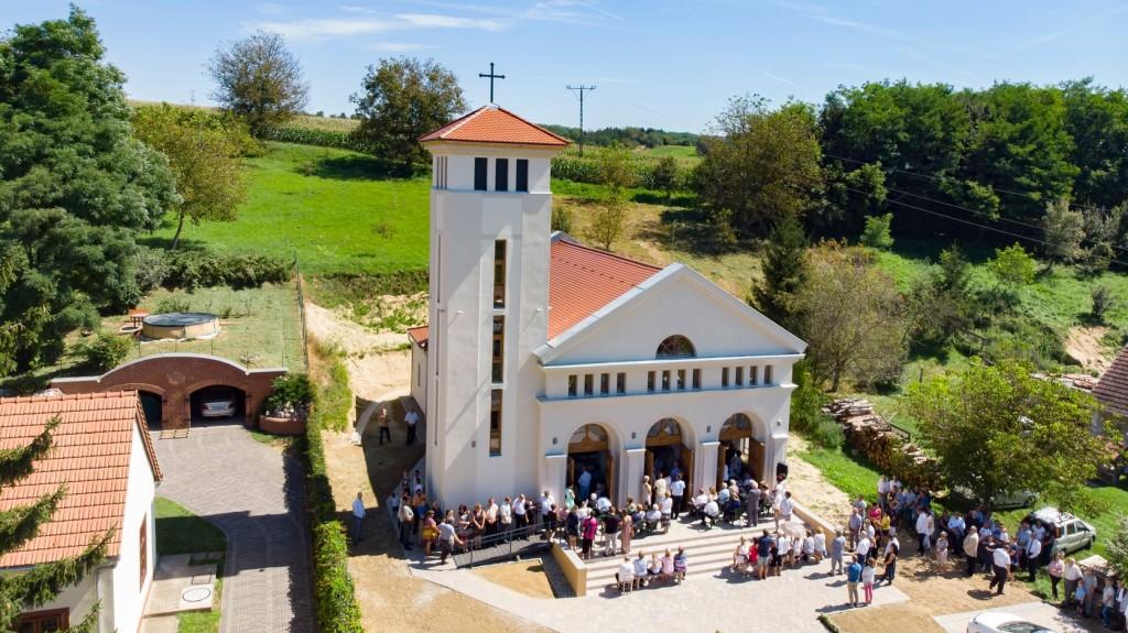 Új római katólikus templomot szenteltek a Zala megyei Csapiban