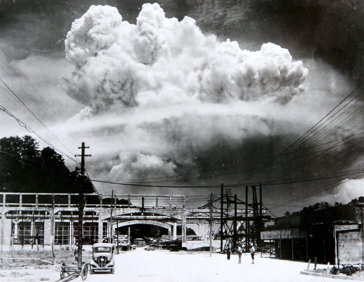 1945. augusztus 9-én készült kép a Nagaszakira ledobott amerikai atombomba gombafelhőjéről (Fotó: MTI/EPA/Nagaszaki Atombomba Múzeum)