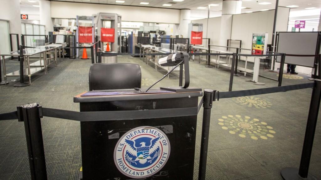 Átmenetileg leálltak a számítógépes rendszerek Amerika nemzetközi repterein