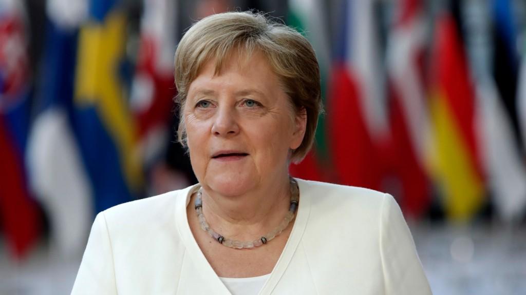 Útlezárások - A TEK gondoskodik Merkel soproni mozgásáról