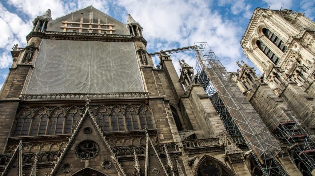 Sikerült megmenteni a Notre-Dame oltásakor elázott királyi szőnyeget