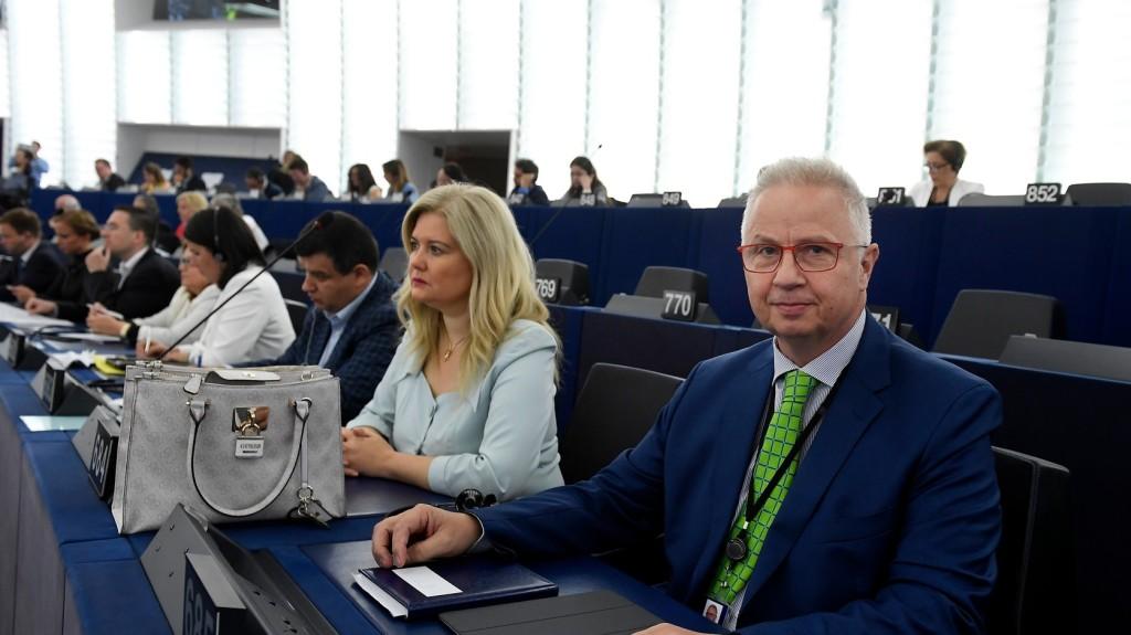 Október 1-jén hallgatja meg Trócsányi Lászlót az EP külügyi bizottsága