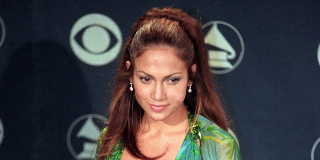 Jennifer Lopez divattörténeti pillanatot írt ezzel a ruhával