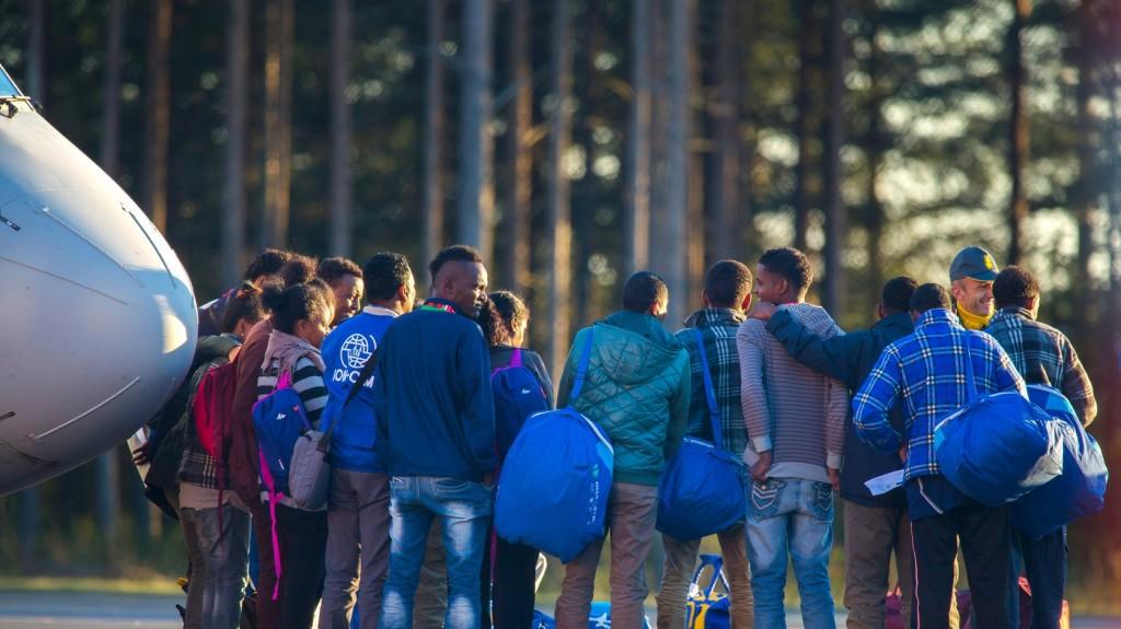 Röplabdázóknak adták ki magukat migránsok az athéni reptéren